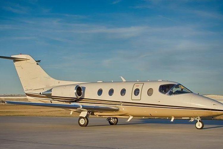 Hawker 400 Private Jet
