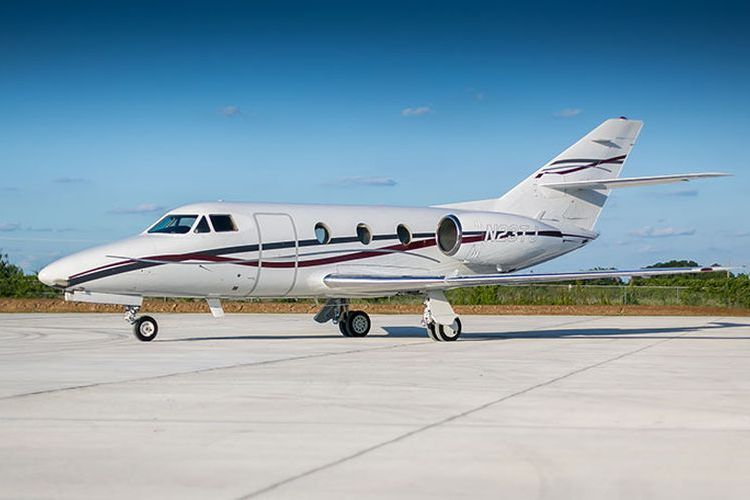 Falcon 10/100 Private Jet