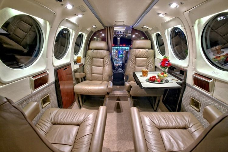 King Air 90 Private Jet