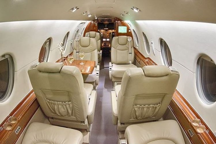 Hawker 400 Private Jet