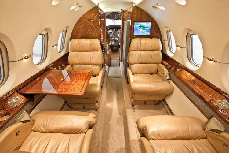 Hawker 4000 Private Jet